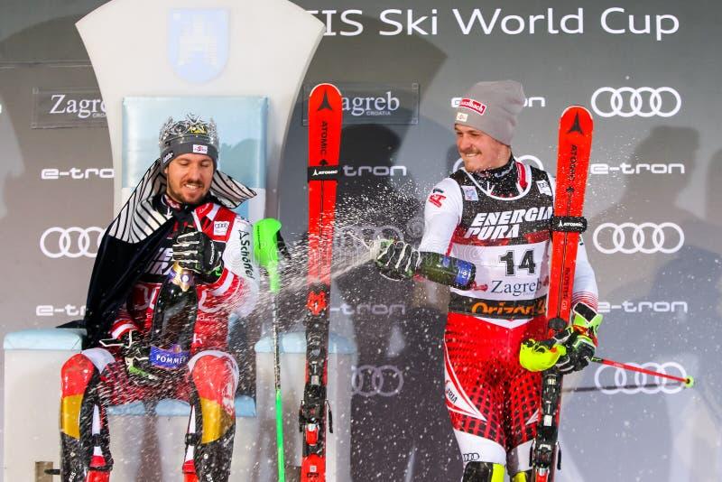 Cerimônia de entrega dos prêmios do slalom dos homens do troféu 2019 da rainha da neve fotos de stock