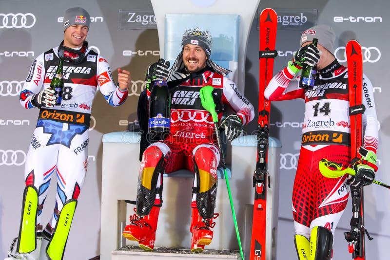 Cerimônia de entrega dos prêmios do slalom dos homens do troféu 2019 da rainha da neve imagens de stock royalty free