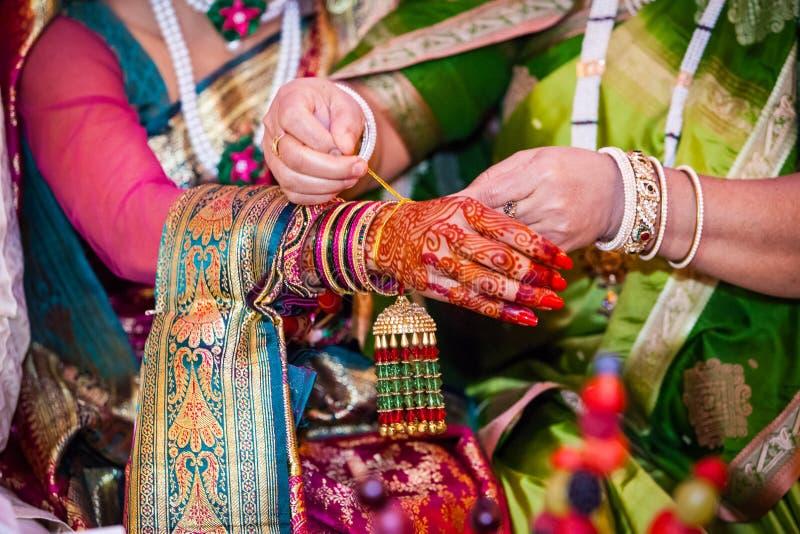 Cerimônia tradicional da preparação do casamento indiano foto de stock royalty free
