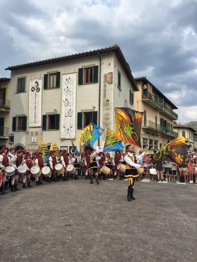 Cerimônia em dias da degustação de vinhos em Greve no Chianti, Toscânia em Itália foto de stock royalty free