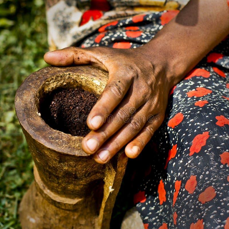 Cerimonia del caffè in Africa fotografia stock