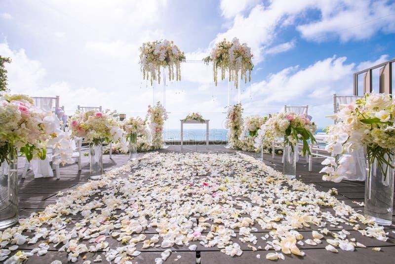 Cerimonia di nozze romantica immagine stock