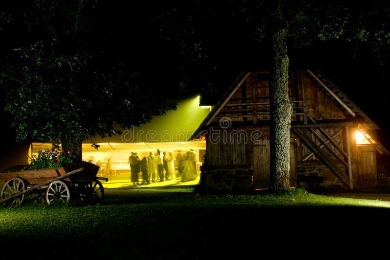 cerimonia nuziale del partito di notte immagine stock
