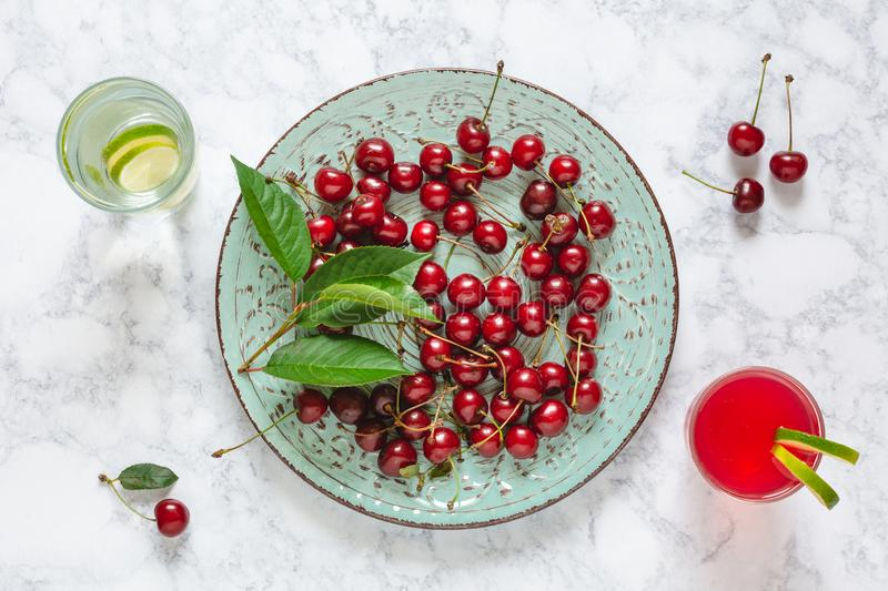 Cerises fra?ches photographie stock
