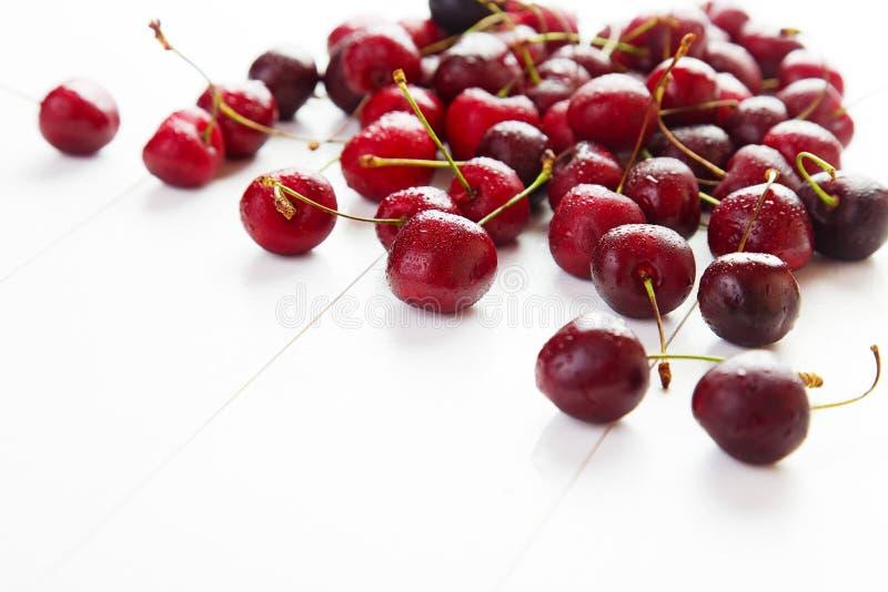Download Cerises rouges image stock. Image du diététique, gourmet - 77158711