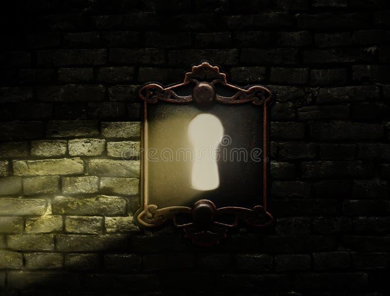 Cerradura vieja con el brillo ligero a través foto de archivo libre de regalías