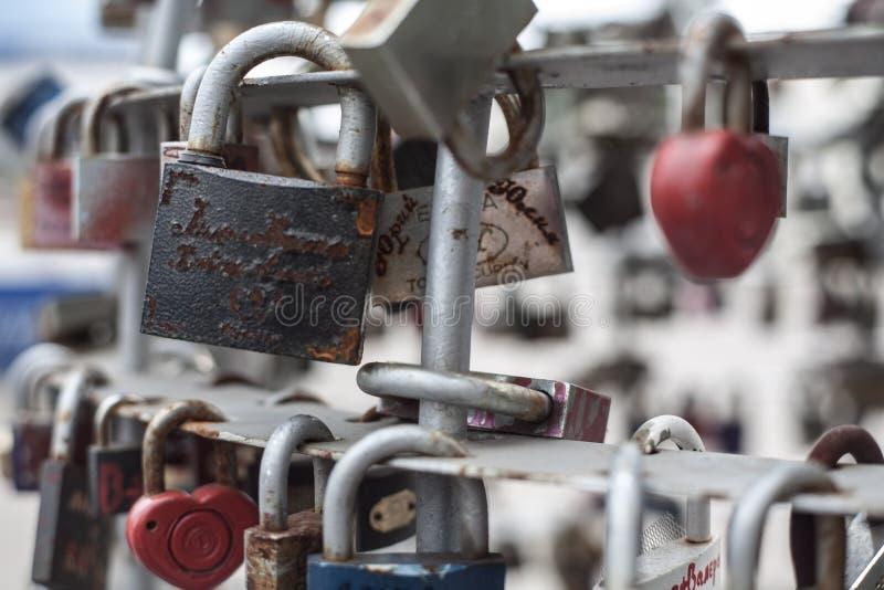 Cerraduras y amor foto de archivo