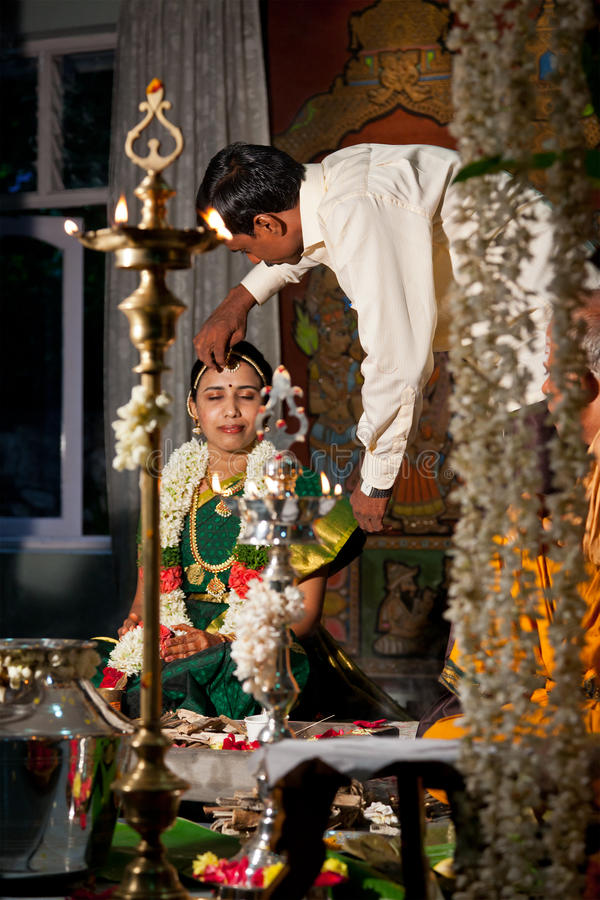 cerremony印第安泰米尔人传统婚礼 库存照片