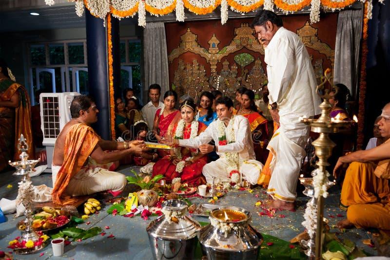 cerremony indyjskiego tamila tradycyjny ślub zdjęcia royalty free