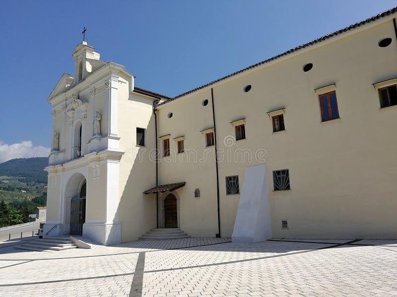 Cerreto Sannita - widok sanktuarium madonny delle Grazie fotografia stock
