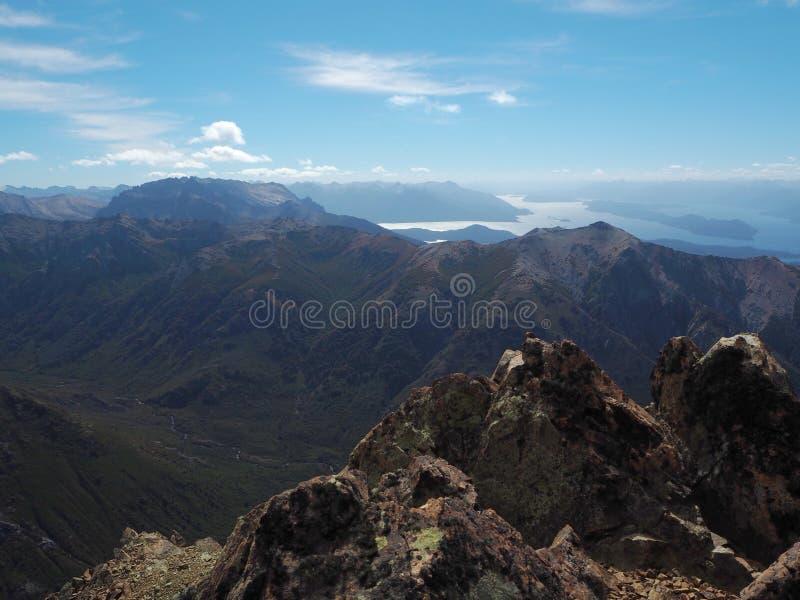 Cerro Catedral, cima de la montaña del panorama foto de archivo libre de regalías