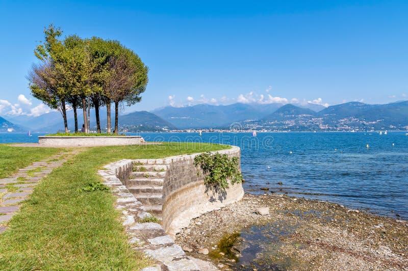 Cerro, is een fractie van Laveno Mombello op de kust van Meer Maggiore royalty-vrije stock foto's