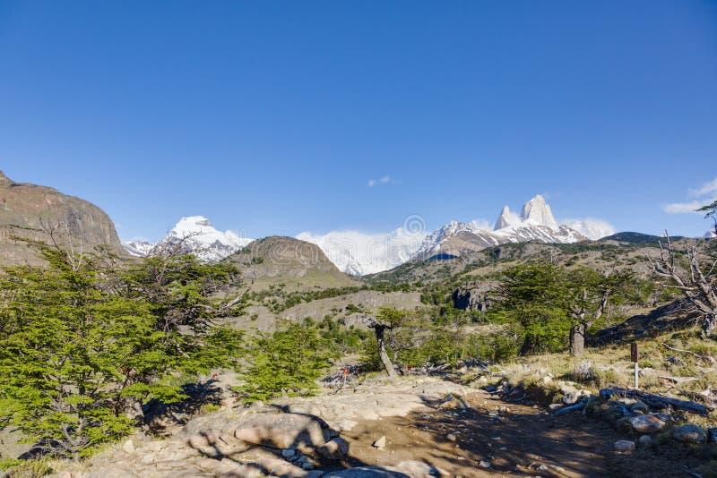 Cerro Torre massiv i Patagonia royaltyfria foton