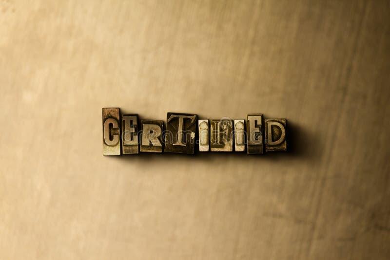 CERTIFIÉ - le plan rapproché du vintage sale a composé le mot sur le contexte en métal illustration libre de droits