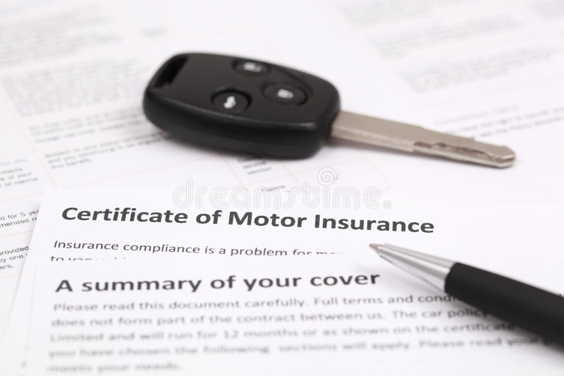 Certificado de seguro automóvel foto de stock royalty free