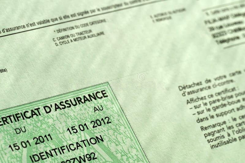 Certificado de seguro francês verde do carro foto de stock