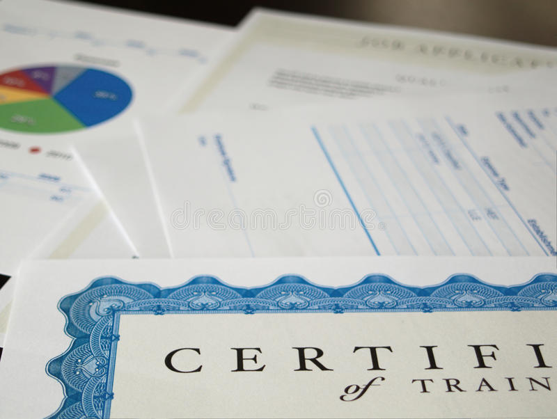 Certificat et d'autres documents photographie stock