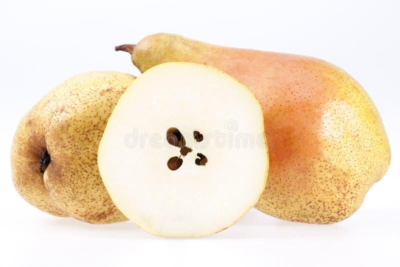 Certos frutos da pera Abate Fetel isolada no fundo branco imagens de stock royalty free