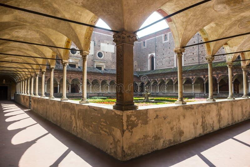 Certosa di Pavia, kloster royaltyfria bilder