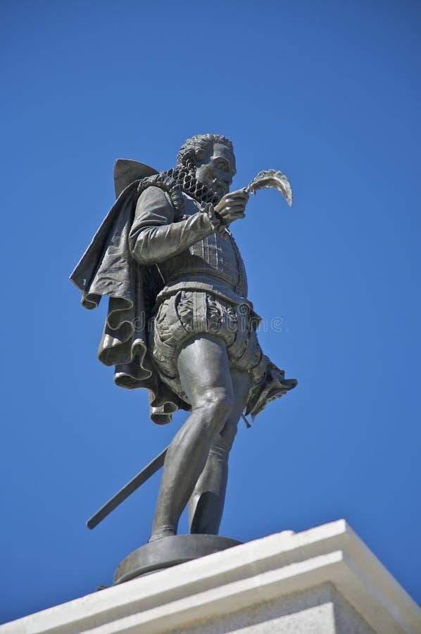 cervantes staty royaltyfri bild