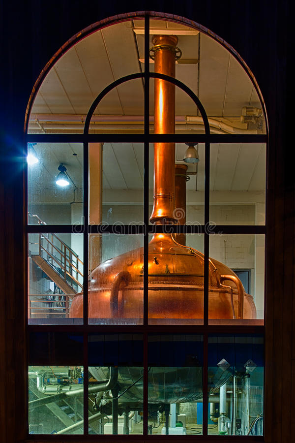 Cervecería de los tanques de la destilería fotos de archivo libres de regalías