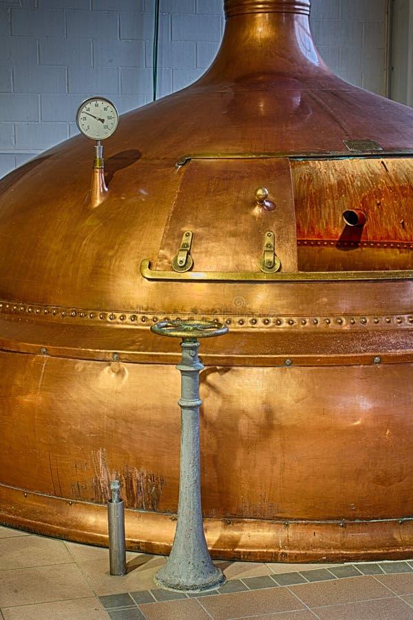 Cervecería de los tanques de la destilería imagen de archivo libre de regalías