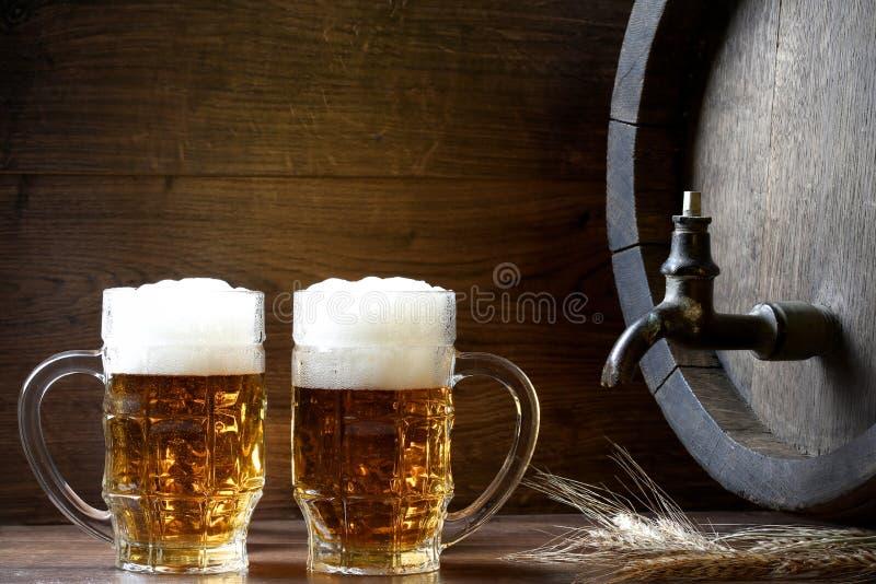 Cerveja com tambor fotografia de stock royalty free
