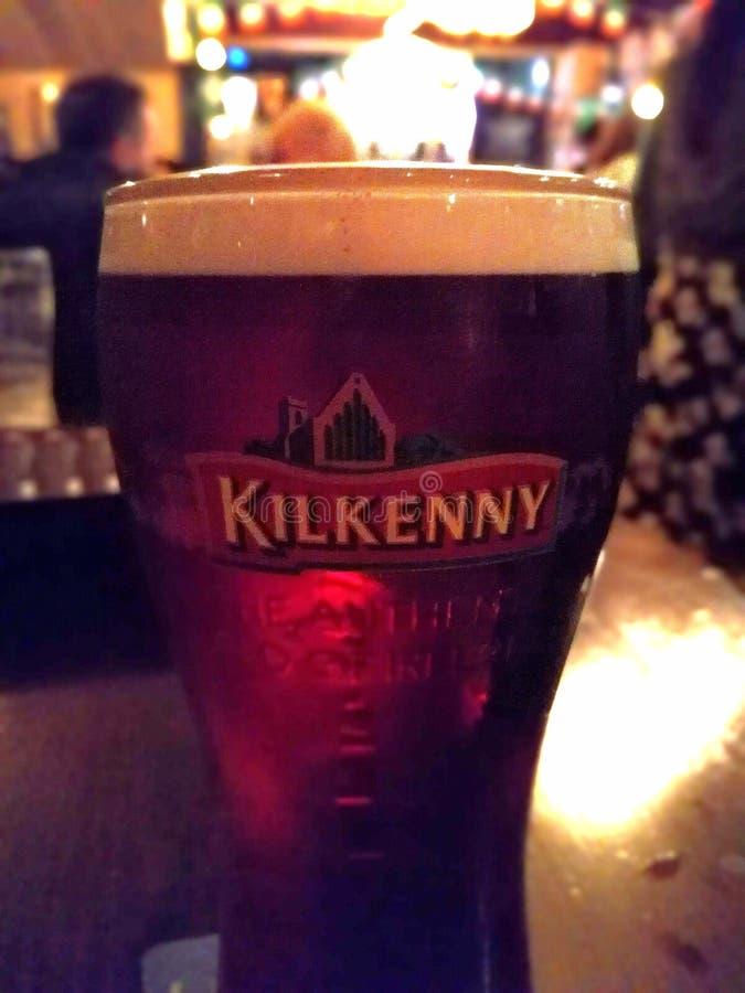 Cerveja de Kilkenny em Dublin fotografia de stock royalty free