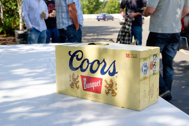 Cerveja do banquete de Coors no casamento imagem de stock royalty free