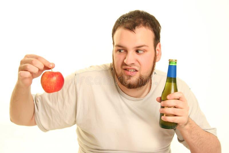 Cerveja e maçã fotos de stock