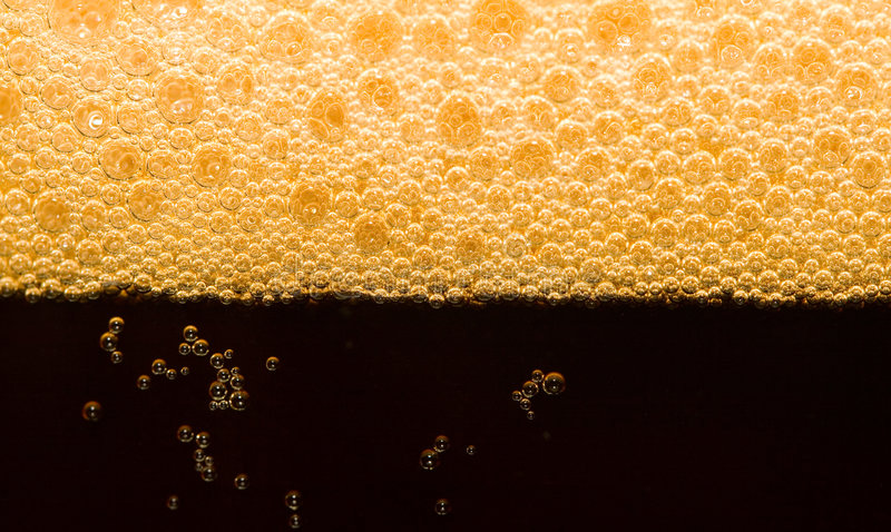 Cerveja escura do Close-up foto de stock royalty free