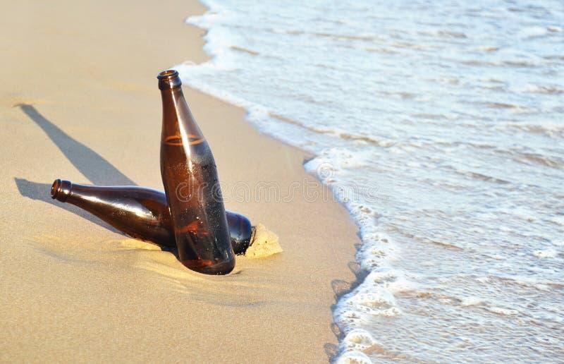Cervejas na praia - ícone Grécia do verão fotos de stock