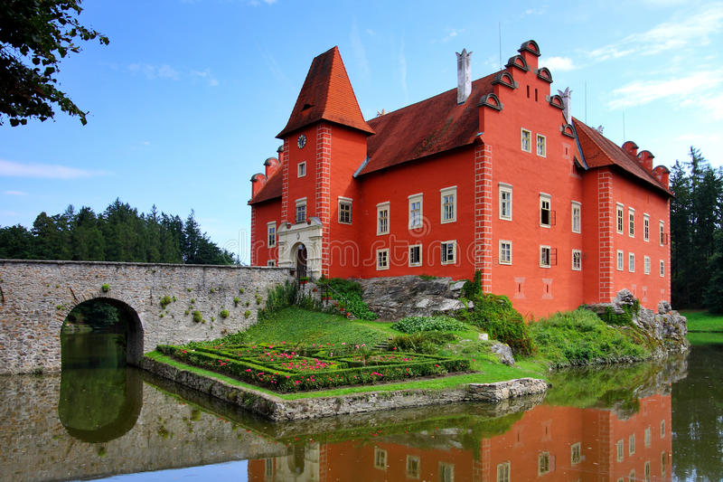 cervena замока erven красный цвет lhota стоковое фото