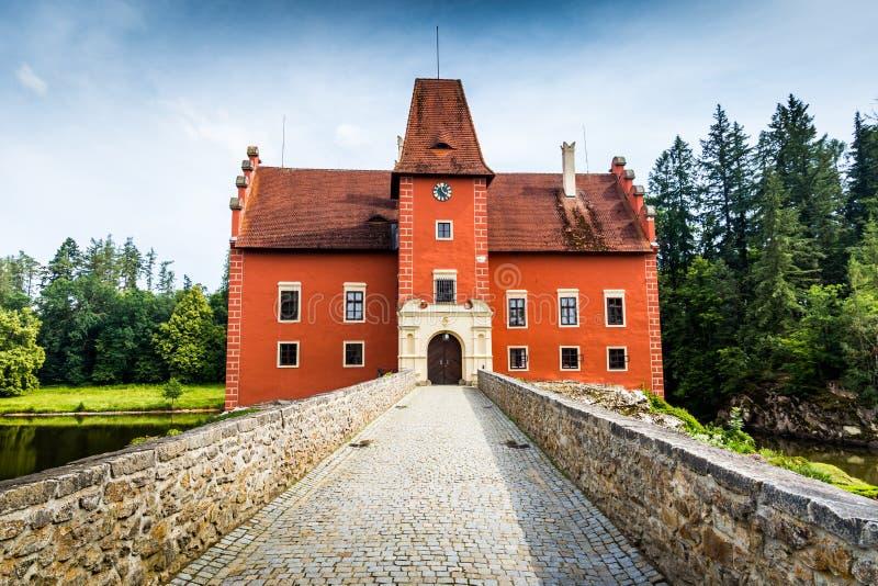 Cervena Lhota - het rood, waterchateau in de Tsjechische republiek royalty-vrije stock foto