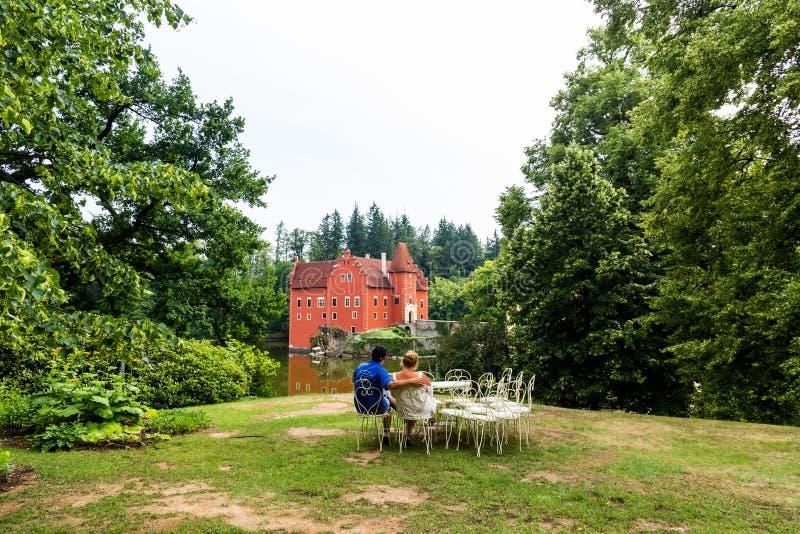 Cervena Lhota - il rosso, castello dell'acqua in repubblica Ceca fotografia stock