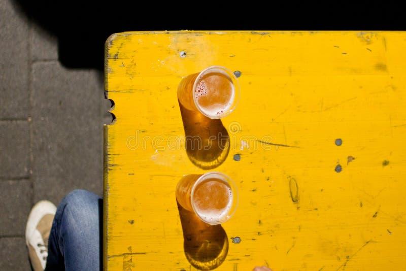 Cerveza de arriba fotografía de archivo libre de regalías