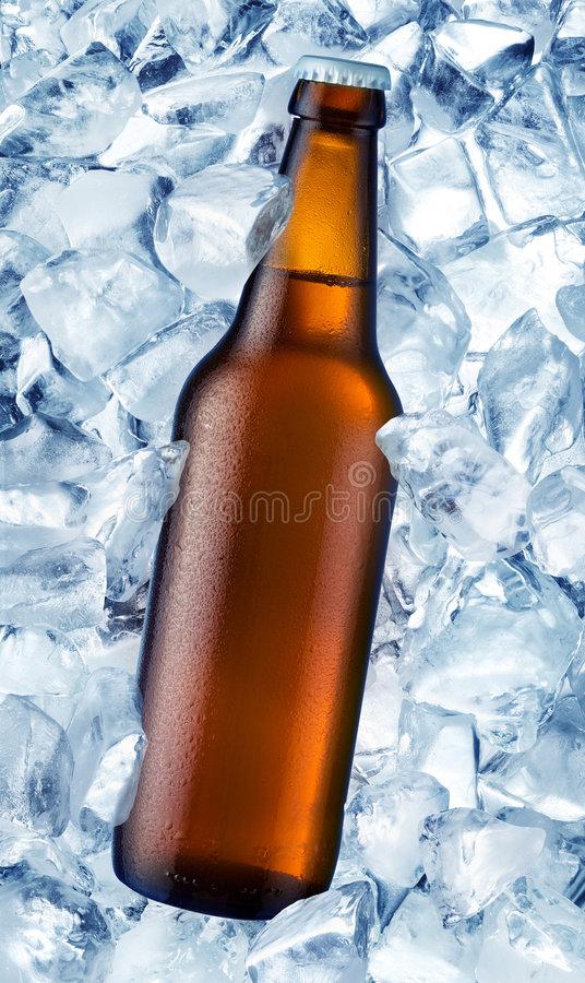 Cerveza de la botella imagenes de archivo