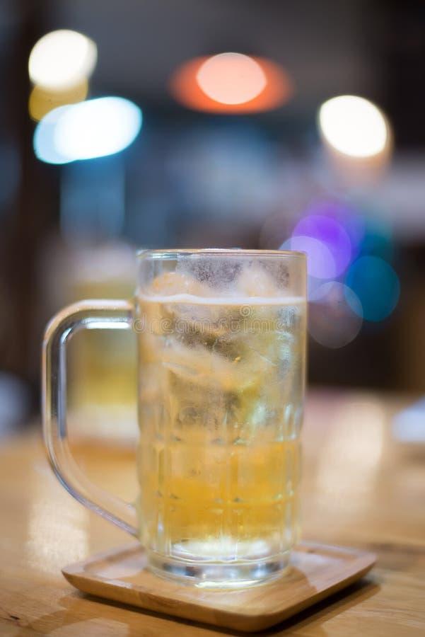 Cerveza del vidrio imagen de archivo libre de regalías
