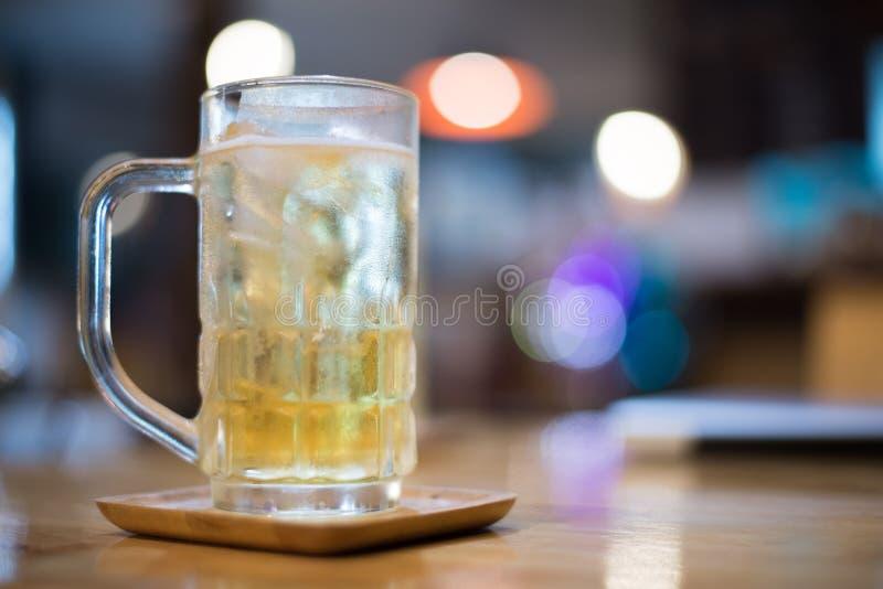 Cerveza del vidrio fotos de archivo