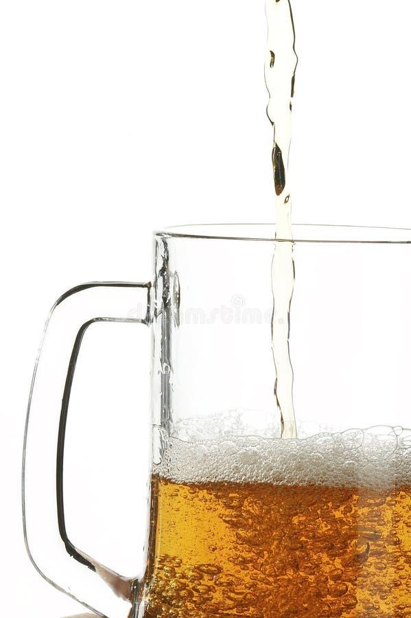 Cerveza en vidrio fotos de archivo