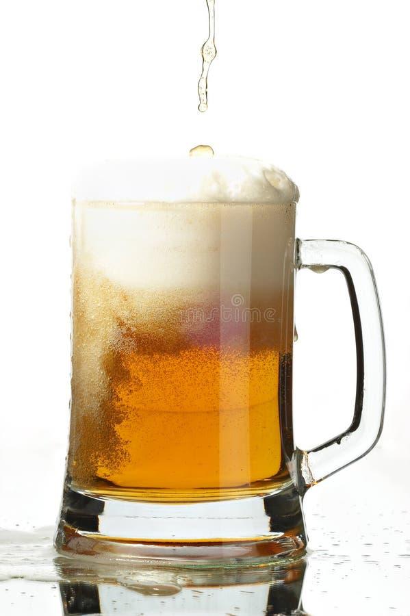 Cerveza en vidrio fotografía de archivo libre de regalías