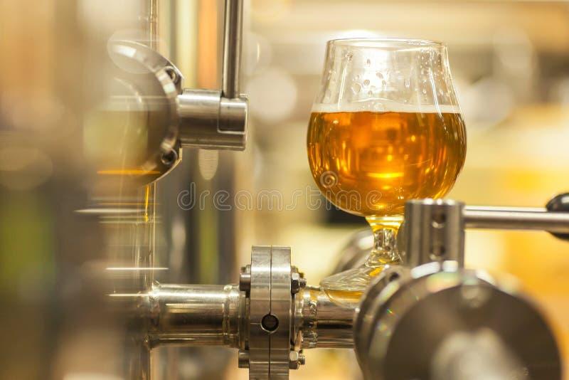 Cerveza ligera industrial imagen de archivo libre de regalías
