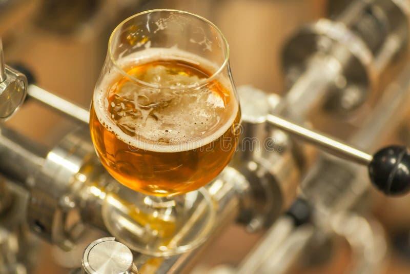 Cerveza ligera industrial fotografía de archivo libre de regalías