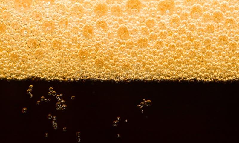 Cerveza oscura del primer foto de archivo libre de regalías