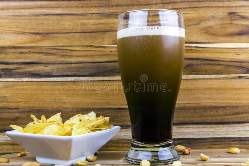 Cerveza valiente imagen de archivo libre de regalías