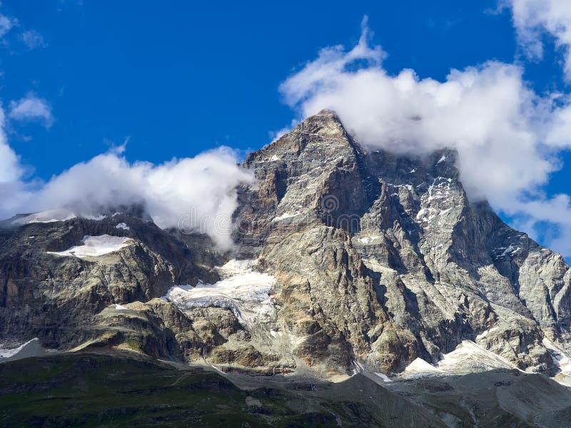 Cervinia-Bereich - Matterhorn-Höchstberg, Italien lizenzfreie stockfotos