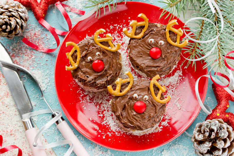 Cervos dados forma bolo de Santa do Natal fotografia de stock royalty free