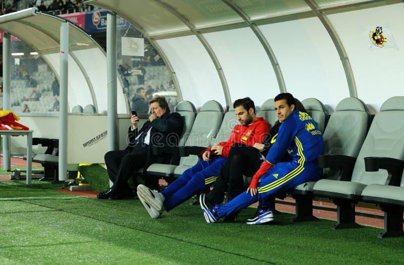 Cesc Fabregas y Pedro Rodriguez, futbolistas de Barcelona foto de archivo libre de regalías