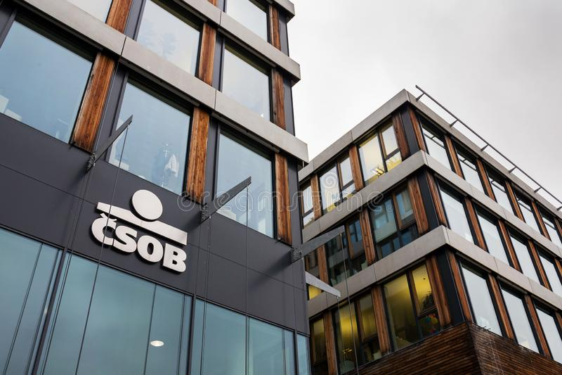 Ceskoslovenska obchodni banka CSOB bankowość i pieniężnej firmy logo fotografia stock