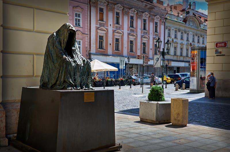 cesky τσεχική πόλης όψη δημοκρατιών krumlov μεσαιωνική παλαιά Χρώμιο ` IL commendatore `, πνεύμα της Anna γλυπτών της όπερας Μότσ στοκ φωτογραφία με δικαίωμα ελεύθερης χρήσης